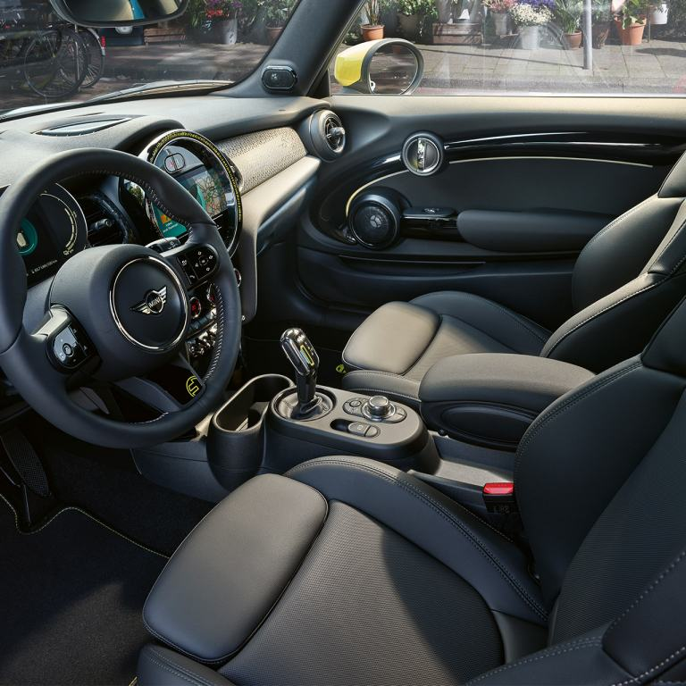 MINI 3-door Cooper SE – interior – 360° view